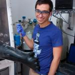 Pedro de Souza working in the battery lab.